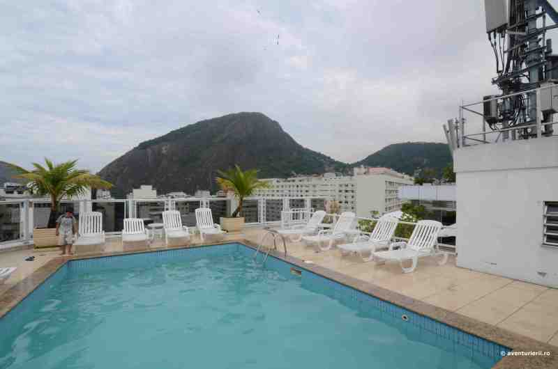 piscina hotel 4